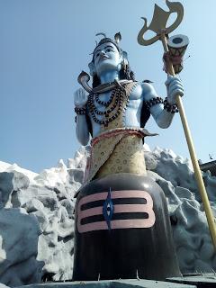 कुंडलिनी के लिए ही विभिन्न देवता विभिन्न व्यक्तित्वों के सांचों के रूप मेंहैं